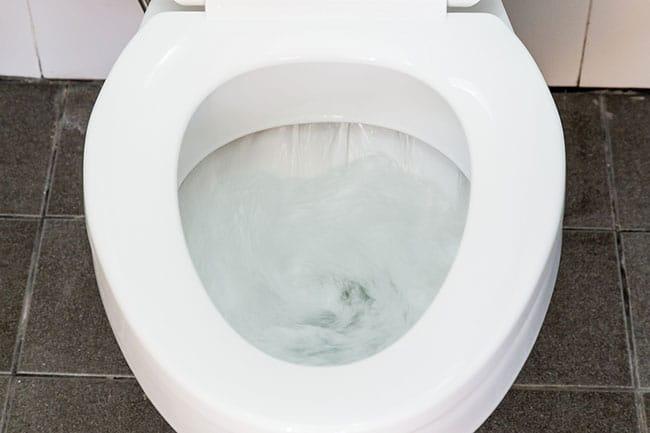 Giải pháp khi bồn cầu thoát nước chậm